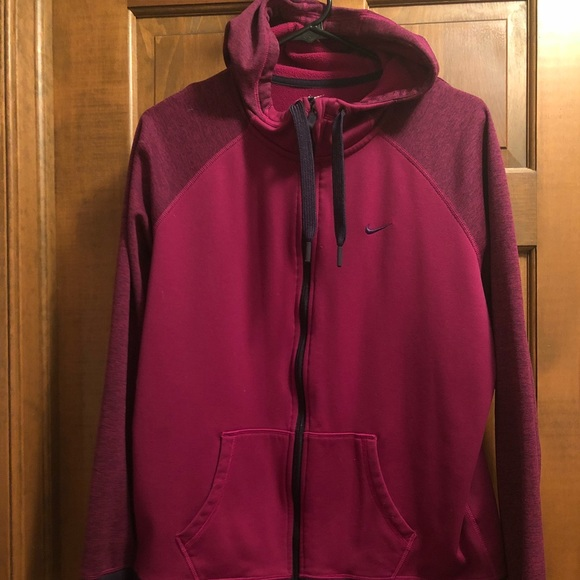 3065a22f51c1 Women s Nike Thermafit zip up hoodie. M 5b81fb484773689268a7ad0b